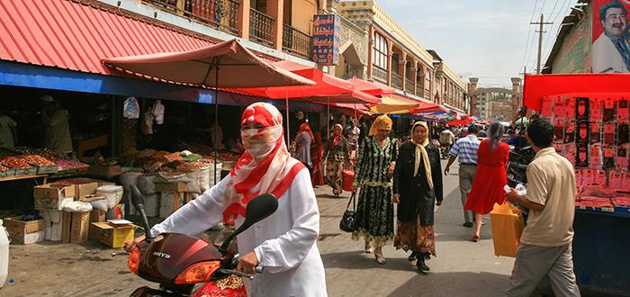 Kashgar market main street